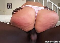 Busty MILF with a huge ass takes on two cocks (xa15682)