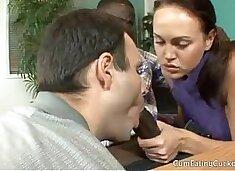 Valeska dividiu o cacete do negao com marido www.porngratisxx.com